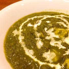 パラックパニール(ほうれん草と手作りチーズのカレー)spinach and cheese curry