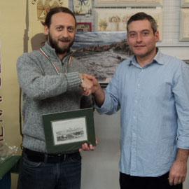 """Il """"Gen. Divisione"""" e """"Valoroso"""" 2013 Silvio Scotti viene premiato dal Presidente"""
