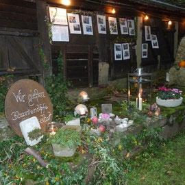 Der Gartenbauverein Oberschwarzach hatte ebenfalls eine Ecke des Schlosshofs dekoriert und informierte zu verschiedenen Themen.