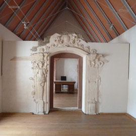 Der Fürstenbau diente als Wohnung des Fürstbischofs bei Besuchen. Die Bausubstanz des Fürstenbaus war so marode, dass sie nur noch in Fragmenten erhalten ist. Es wurde eine moderne Dachkonstruktion darüber gebaut.