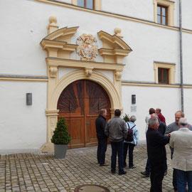 Das Eingangsportal des Schüttbaus.