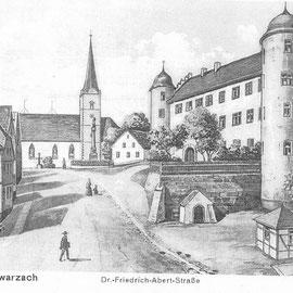 Diese nicht ganz maßstabsgetreue Zeichnung aus der Zeit vor dem Kirchenumbau 1946 zeigt den Kirchberg, der damals noch Dr. Friedrich Albert Straße hieß.