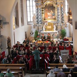 Die Heimatkapelle trat in starker Besetzung auf.
