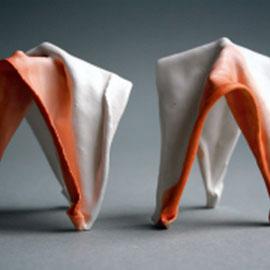 Blush mini Gravity Forms 3 leg, stoneware clay, white  porcelain  and terracotta terra sigillata / B:6 cmxH:8 cm / 2103 / 35 euro per piece