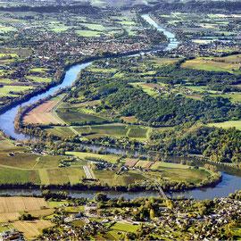 Méandre de la Dordogne au Fleix (24), à 4 km du Domaine de l'Etang de Bazange