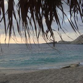 Petania Beach, kurz von dem Sonnenuntergang