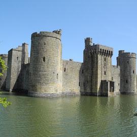 Das Bodiam Castle aus dem Jahr 1385 auf dem Weg nach Dover