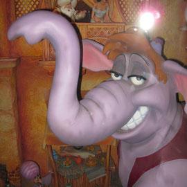 Da lacht sogar dem Dumbo seine Tante.