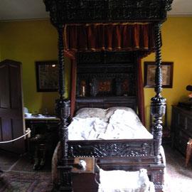 Das Bett ist hoffentlich nicht ganz so alt