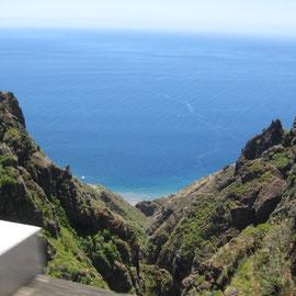 Irgendwo da unten muss Ponta do Sol sein
