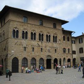 In den nächsten Tagen besuchen wir Bolgheri, Volterra, Massa Marittima