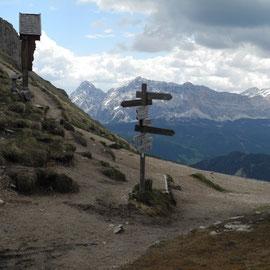 Endlich oben - ca. 2400 m. Ich muss doch ein wenig heulen ob der Anstrengung. Aber toll finde ich´s jetzt doch.