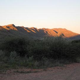 Als es Abend wird und die Berge im Sonnenuntergang erstrahlen habe ich schon Heimweh