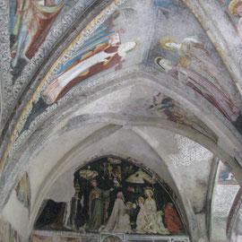 Der Kreuzgang mit den erhaltenen Fresken