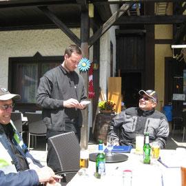 Auf der Gailberghöhe gab´s mal wieder ein leckeres Knoblauchsüppchen - bestellt bei Martin
