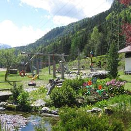 Die Gartenansicht ist einfach toll und ein Paradies für Kinder