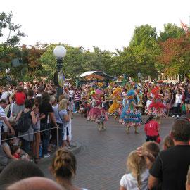 und vielen anderen Disney-Figuren