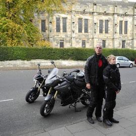 Vor dem Falkland Palace
