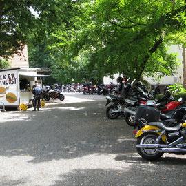 Größere Mittagspause an der Villa Löwenherz