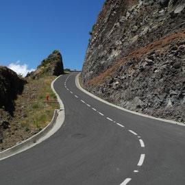 Ein anderer Weg hoch zum Pico Arieiro - hier mache ich dann schlapp