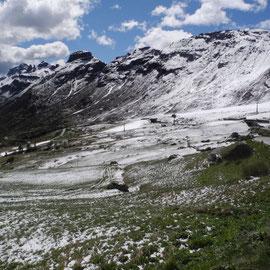 Die Berge sehen wie gezuckert aus