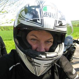 dass mir/uns das Motorradfahren soviel Spaß macht!