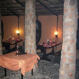 In der Lodge erwartet uns ein schön gedeckter Tisch
