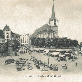 Obstmarkt mit Kirche