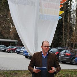 Jürgen Degener, Initiator für die Wiedereröffnung der Taufkirchener Wanderwege