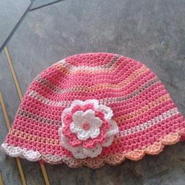"""Mütze """"Blume"""" aus feiner Baumwolle, geeignet auch für Neugeborene"""