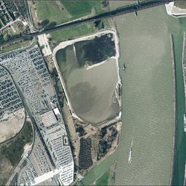 """Quelle: """"Regionalverband Ruhr, CC BY-NC-SA 4.0""""   Auskiesungsfläche in der Rheinaue, Aufnahme-Datum:  ca. 2009/20910"""