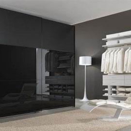 cuisine intérieur design toulouse dressing fermé porte coulissante vitrée noir