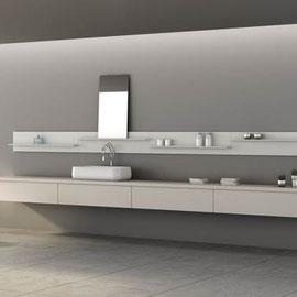 cuisine intérieur design, salle de bain blanc crème miroir vasque plan de travail blanc crème linéaire épuré