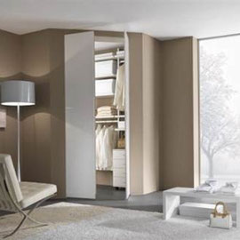 cuisine intérieur design toulouse dressing ouvert derrière porte tendance moderne bois et blanc rangements
