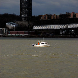 Survey boat on the Hudson