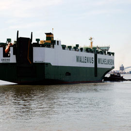 Car carrier and tug