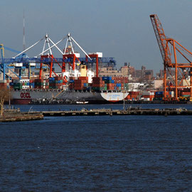 Red Hook Container Terminal and OOCL Melbourne