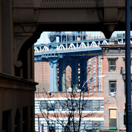 Manhattan Bridge pier