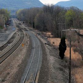 Beacon train tracks heading south