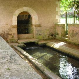 Lavoir de Ménestreau, bourg