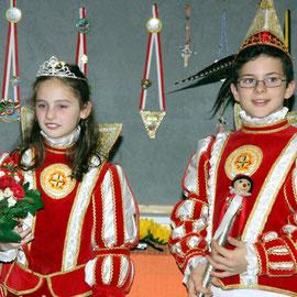 Ausgezeichnet mit den Insignien der Macht: Xenia I. und Benedikt II.