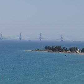 le pont pour rejoindre Patras