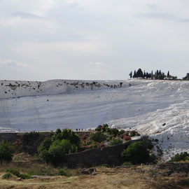 on commence à apercevoir les falaises de calcaire