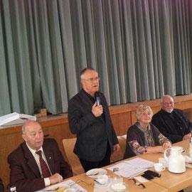 Hans Eichel bei seiner einstündigen arrangierten Rede über die Füchtlingssituation