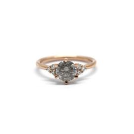 Bague or rose + diamant gris + diamants blancs