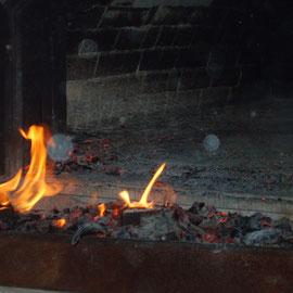 Ofen wird vorgeheizt und anschließend gesäubert