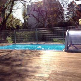 Entspannen am Pool.