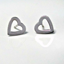 AN 6 - 14K white gold heart shaped earrings.