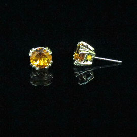 E 429 - 14K yellow gold earrings with citrines.