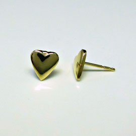AN 51 - 14K yellow gold heart shaped earrings.